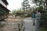 上田宗箇作庭の復元中